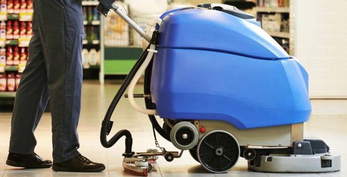 L'auto-laveuse : la solution pour un nettoyage rapide et efficace de vos locaux